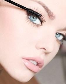 Hướng dẫn chải mascara cho lông mì dày và cong