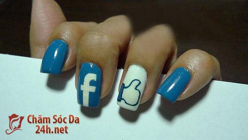 Nail móng tay hình facebook độc đáo