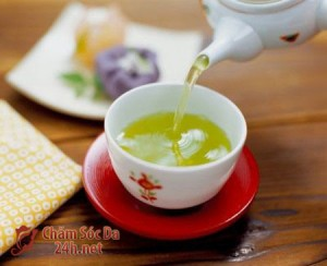 tra khong duong 300x244 Những loại nước uống giúp giảm cân