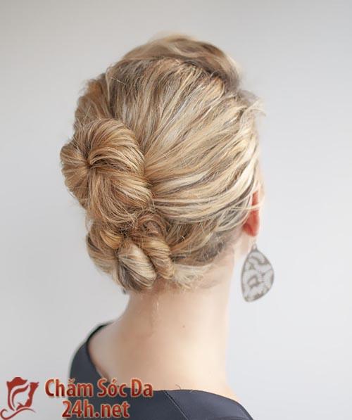 Xinh xắn và yêu kiều với kiểu tóc búi 2 tầng