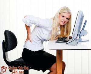 """Làm sao để giảm đau lưng khi """"tới tháng""""?"""