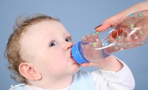 Trẻ dễ mắc bệnh gì vào mùa hè?