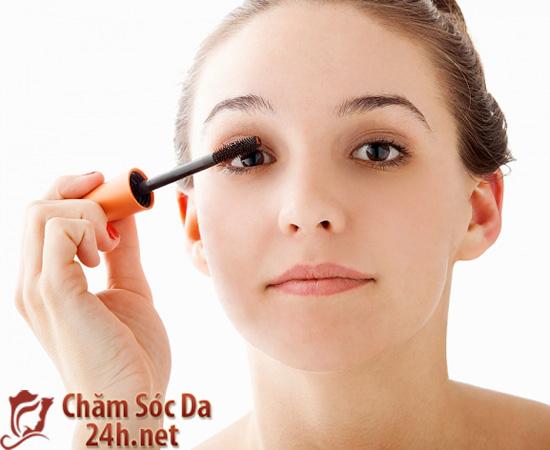 Bị rụng lông mi, nguyên nhân và cách chữa trị an toàn