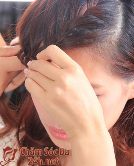 Làm duyên với kiểu tết tóc lệch ngôi dịu dàng và xinh xắn