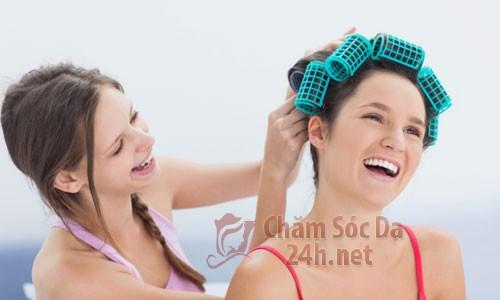 lo uon toc1 Bí quyết giúp tóc giữ nếp, uốn lô theo chiều bạn muốn