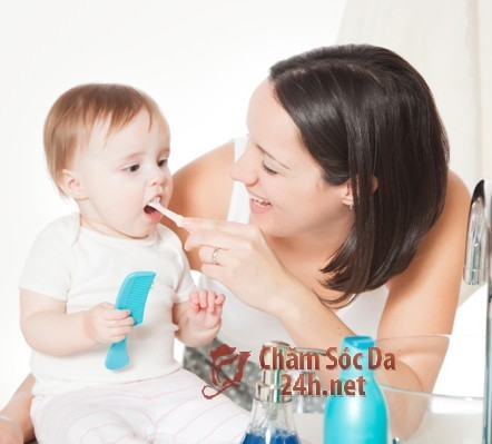 Nên đánh răng cho bé từ lúc mấy tuổi ?
