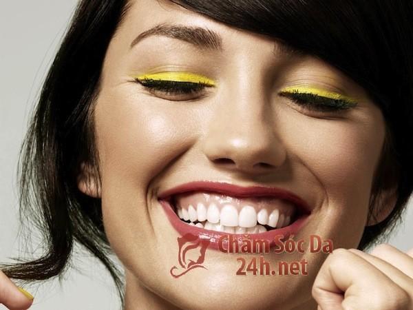6 Cách làm trắng răng tự nhiên tại nhà đơn giản, hiệu quả