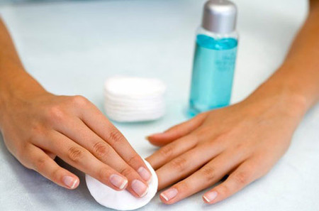 Chăm sóc móng tay hiệu quả tại nhà