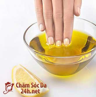 Chăm sóc móng với dưỡng chất dầu oliu