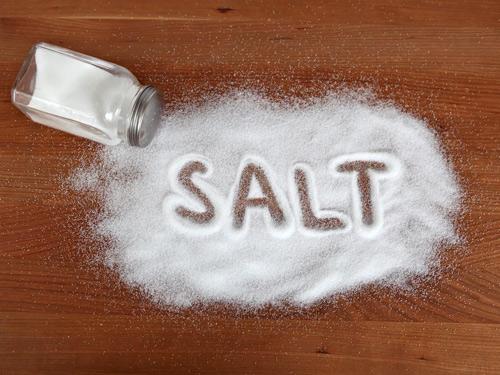 Sạch bong mụn nhờ…hạt tiêu và muối - 2