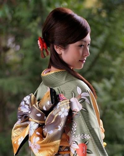 Cách làm trắng da của phụ nữ Nhật