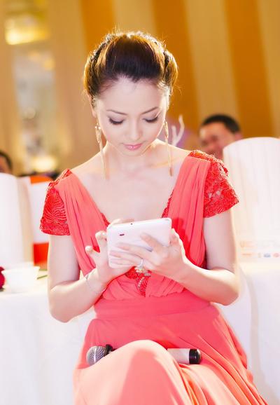 Bí quyết giảm cân giữ dáng của người đẹp Jennifer Phạm